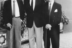 Profesor Campos con los Profesores Ortiz Picón y Galo Leoz en el Congreso Nacional de Histología de Granada. 1985